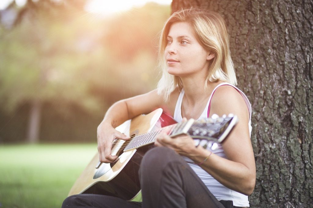 learn guitar the easiest way